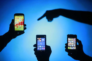 0626-Business-Smartphone_full_600-300x200